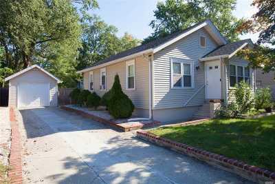 Ronkonkoma Single Family Home For Sale: 9 Oswego Pl
