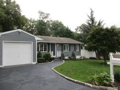 Ronkonkoma Single Family Home For Sale: 229 N. 5th St