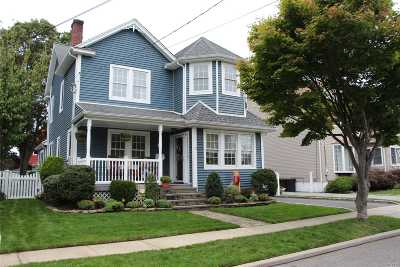 Massapequa Single Family Home For Sale: 19 Hollywood Ave