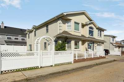 Long Beach NY Single Family Home For Sale: $789,000