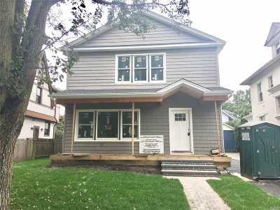 Port Washington Single Family Home For Sale: 90 Park Ave