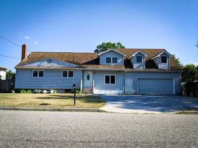 Selden Single Family Home For Sale: 28 Days Ave