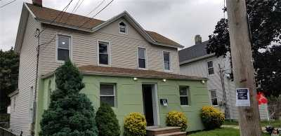 Freeport Single Family Home For Sale: 16 Smith St