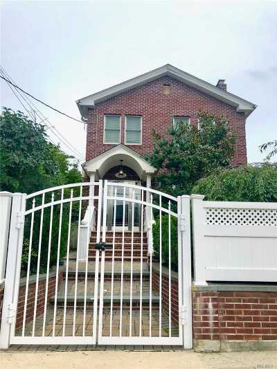 Bayside Single Family Home For Sale: 38-37 218th St