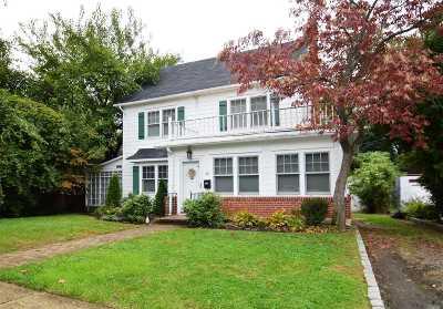 Douglaston Single Family Home For Sale: 331 Grosvenor St