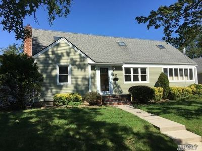 Baldwin Single Family Home For Sale: 495 Starks Pl