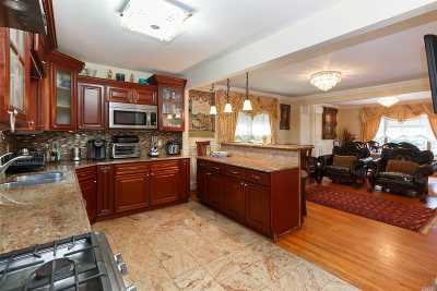 Jamaica Estates Single Family Home For Sale: 86-27 Chelsea St