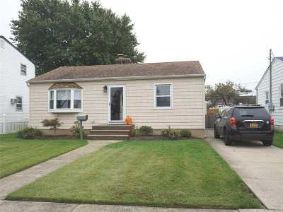 Freeport Single Family Home For Sale: 47 Polk St