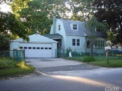 Medford Single Family Home For Sale: 12 Hawkins Ave