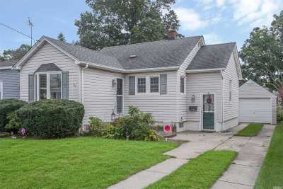 Bellmore Single Family Home For Sale: 2848 Royle St
