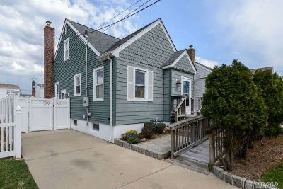 Franklin Square Single Family Home For Sale: 1024 Theodora St