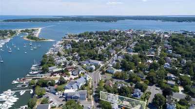 Greenport Single Family Home For Sale: 711 Main St