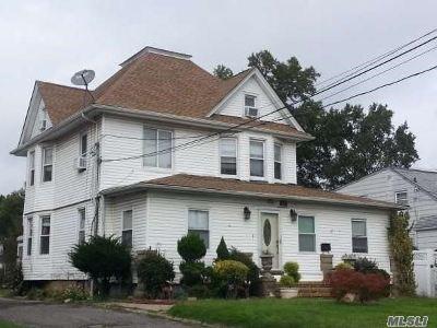 Freeport Single Family Home For Sale: 202 Porterfield Pl
