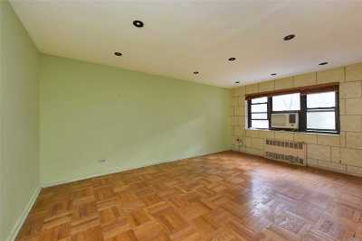Flushing Co-op For Sale: 31-31 138th St #2