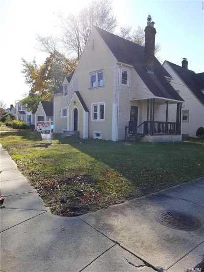 Woodmere Single Family Home For Sale: 325 Felter Ave