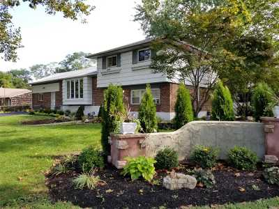 E. Northport Single Family Home For Sale: 715 Larkfield Rd
