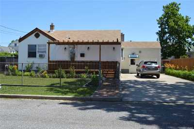 Lindenhurst Single Family Home For Sale: 480 S 4th St
