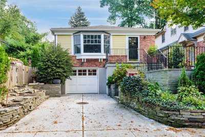 Douglaston Single Family Home For Sale: 38-47 Douglaston Pky