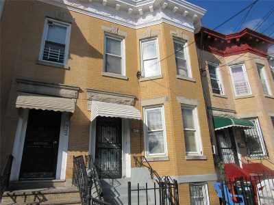 Brooklyn Multi Family Home For Sale: 520 Grant Ave