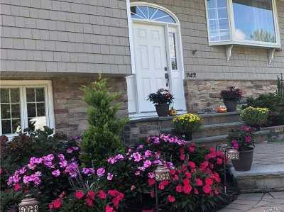 St. James Single Family Home For Sale: 242 Northern Blvd