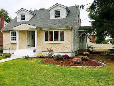 East Meadow Single Family Home For Sale: 2071 Lincoln Ave