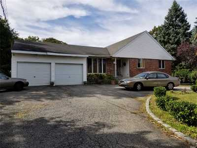 central Islip Single Family Home For Sale: 26 Oakland Ave