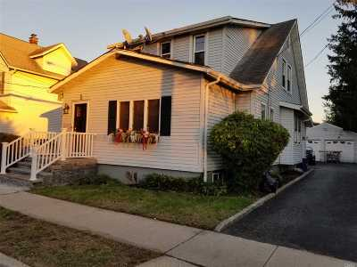 Hicksville Single Family Home For Sale: 35 4th St