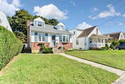 East Meadow NY Single Family Home For Sale: $429,000