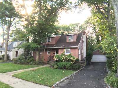 N. Merrick Single Family Home For Sale: 1622 Stevens Ave