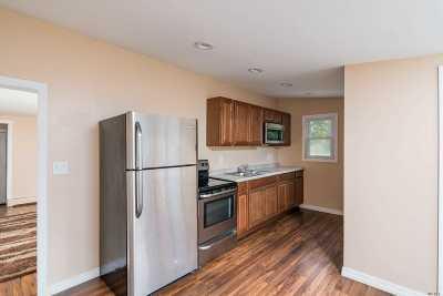 Medford Single Family Home For Sale: 36 Ashton Rd