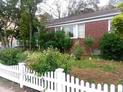 Long Beach Multi Family Home For Sale: 421 Magnolia Blvd