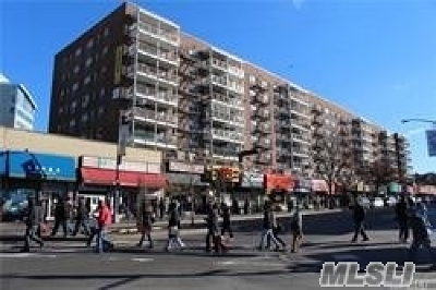Flushing Condo/Townhouse For Sale: 41-25 Kissena Blvd