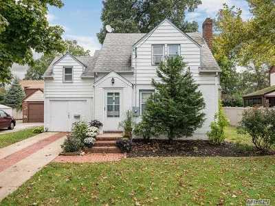 N. Merrick Single Family Home For Sale: 644 Merrick Ave