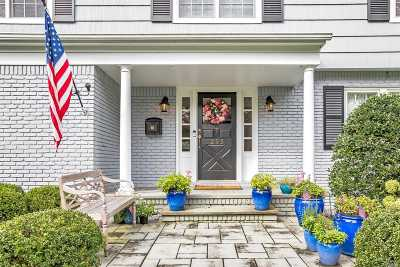 Brightwaters Single Family Home For Sale: 295 Woodland Dr