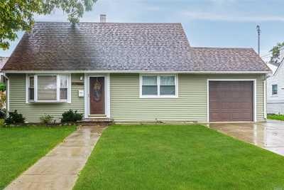 Oceanside Single Family Home For Sale: 379 Evans Ave