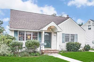 Plainview Single Family Home For Sale: 70 Virginia Ave