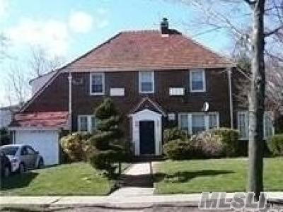 Forest Hills, Rego Park Single Family Home For Sale: 110-53 69 Rd
