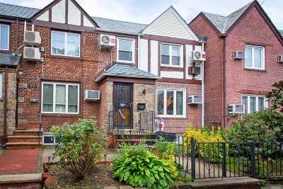 Forest Hills Single Family Home For Sale: 67-50 Exeter St