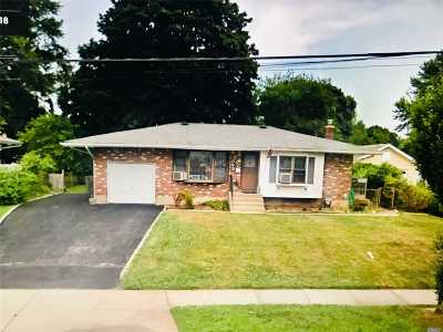 St. James Single Family Home For Sale: 363 Moriches Rd