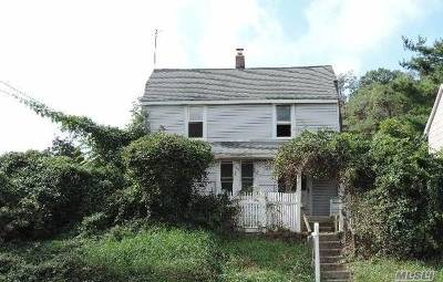 Oyster Bay Single Family Home For Sale: 308 Pine Hollow Rd