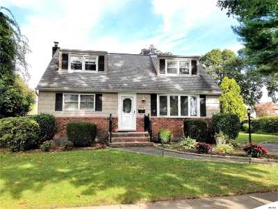 East Meadow Single Family Home For Sale: 2355 Hudson St