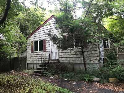 Middle Island Single Family Home For Sale: 95 W Bartlett Rd