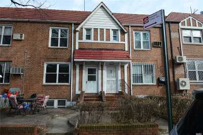 Jackson Heights Single Family Home For Sale: 32-29 76th St