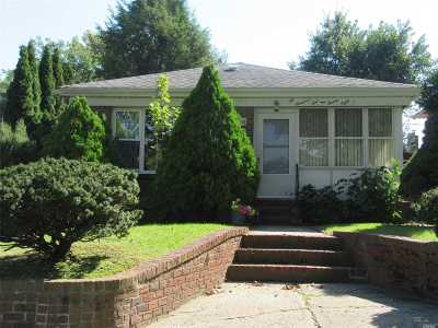Bayside Single Family Home For Sale: 201-28 24th Rd
