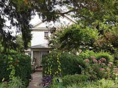 Huntington Single Family Home For Sale: 106 Fairground Ave