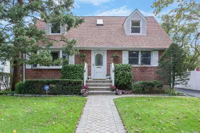 Baldwin Single Family Home For Sale: 892 Newton Ave