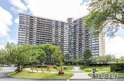 Bayside Condo/Townhouse For Sale: 1 Bay Club Dr #4W