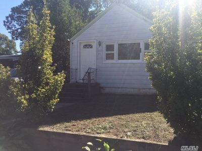 Ronkonkoma Rental For Rent: 94 Eastview Rd