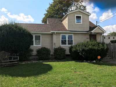 Lindenhurst Single Family Home For Sale