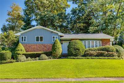 Oyster Bay Single Family Home For Sale: 69 Highwood Rd